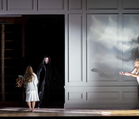 Ermonela Jaho, Christian Van Horn et Jean-Yves Chilot - Faust par Tobias Kratzer