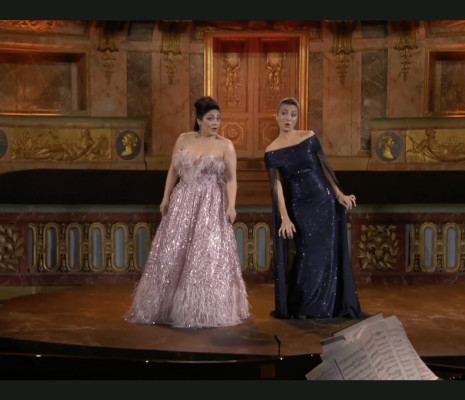 Ailyn Pérez & Isabel Leonard