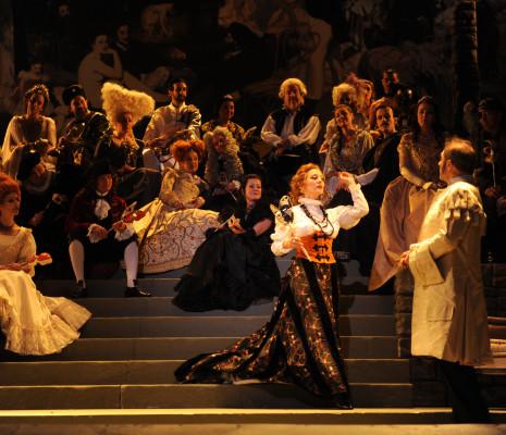 Vannina Santoni est Adèle dans La Chauve-Souris (Jacques Duparc - Opéra de Tours - 2014)