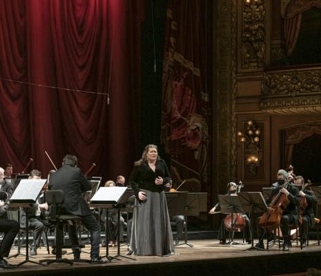 Carla Filipcic Holm & La Orquesta Estable del Teatro Colón