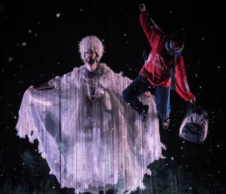 David Leigh et Rachael Wilson dans La Reine des neiges par James Bonas et Grégoire Pont