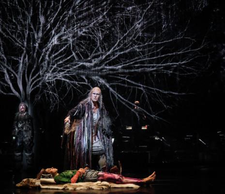 Helena Rasker dans La Reine des neiges par James Bonas et Grégoire Pont