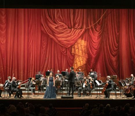 Verónica Cangemi, César Bustamante et l'Orchestre permanent du Théâtre Colón