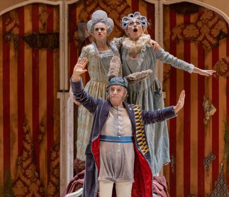 Damiana Mizzi (Clorinda), Annunziata Vestri (Tisbe), Alessandro Corbelli (Don Magnifico)