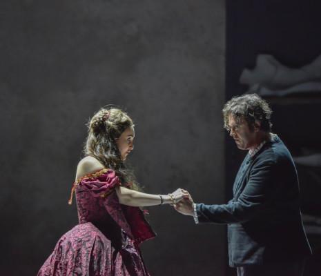 Christina Pasaroiu et Uwe Stickert dans Les Huguenots