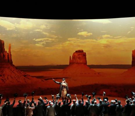 La Fille du Far West par Robert Carsen