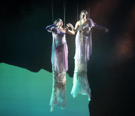 Caroline Meng et Lucile Richardot dans Didon et Énée à Rouen par Cécile Roussat et Julien Lubek