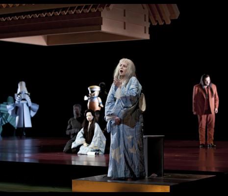 Alexia Voulgaridou et Aris Argiris dans Madame Butterfly