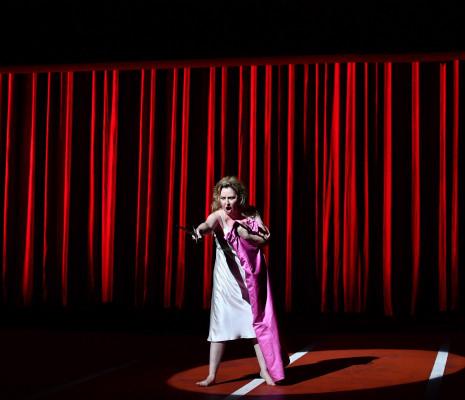 Karine Deshayes dans Armida
