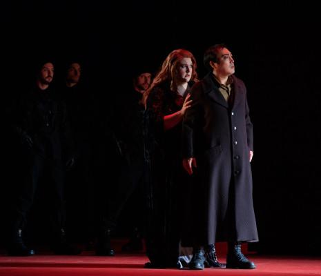 Tamara Wilson et Alfred Kim dans Ernani