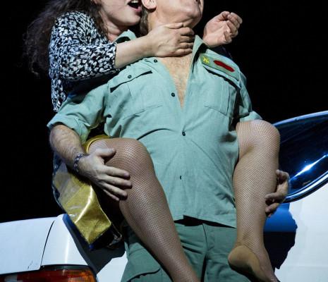 Roberto Alagna et Clémentine Margaine dans Carmen par Calixto Bieito