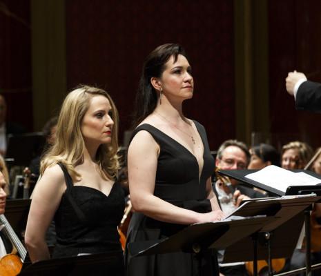 Mary Feminear et Ksenia Dudnikova - La Pucelle d'Orléans
