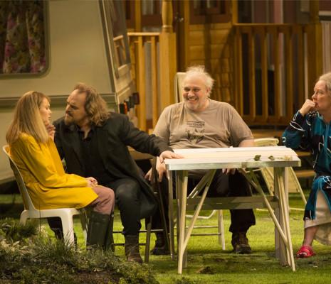 Aida Garifullina, Thomas Johannes Mayer, Vasily Gorshkov et Carole Wilson dans La Fille de neige