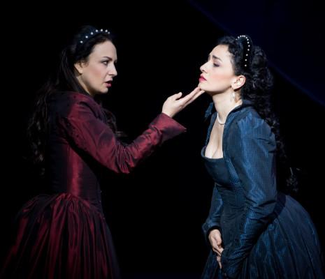 Irina Lungu et Ketevan Kemoklidze dans Anna Bolena
