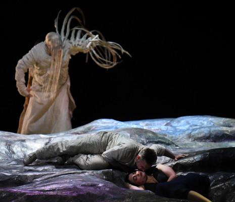 Mika Kares (Ramfis) ; Gaston Rivero (Radamès) ; Monica Zanettin (Aida) - Aida par Stathis Livathinos