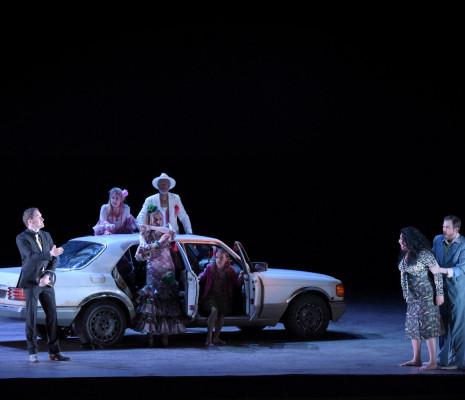 Carmen à Bastille - Boris Grappe (Le Dancaïre), Anita Rachvelishvili (Carmen), Vannina Santoni (Frasquita), Antoinette Dennefeld (Mercédès) et François Rougier (Le Remendado)