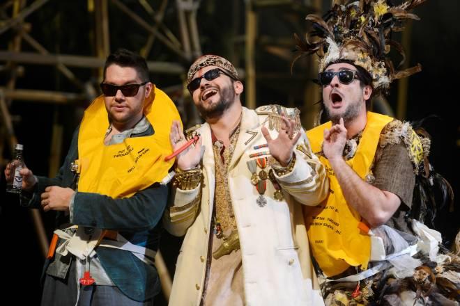Edgardo Rocha, Adrian Sâmpetrean & Omar Montanari - L'Italienne à Alger par David Hermann