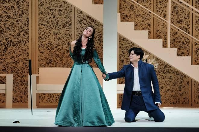 Ermonela Jaho et Yosep Kang dans Les Huguenots