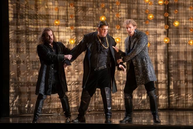 Jérémie Brocard, Julien Véronèse & Rupert Grössinger - Lucrèce Borgia par Emilio Sagi