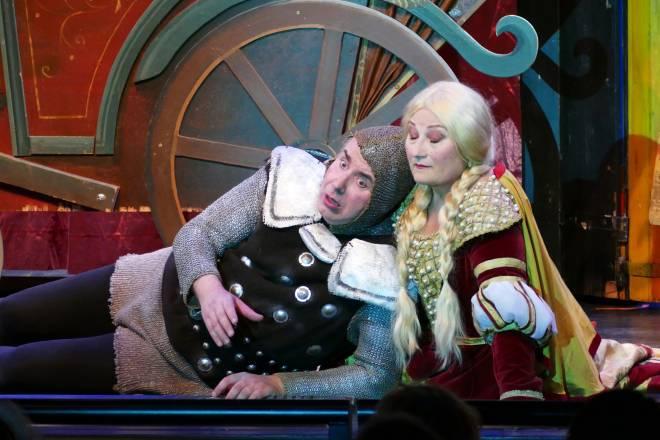 Jean-François Vinciguerra et Cécile Galois dans Le Petit Faust
