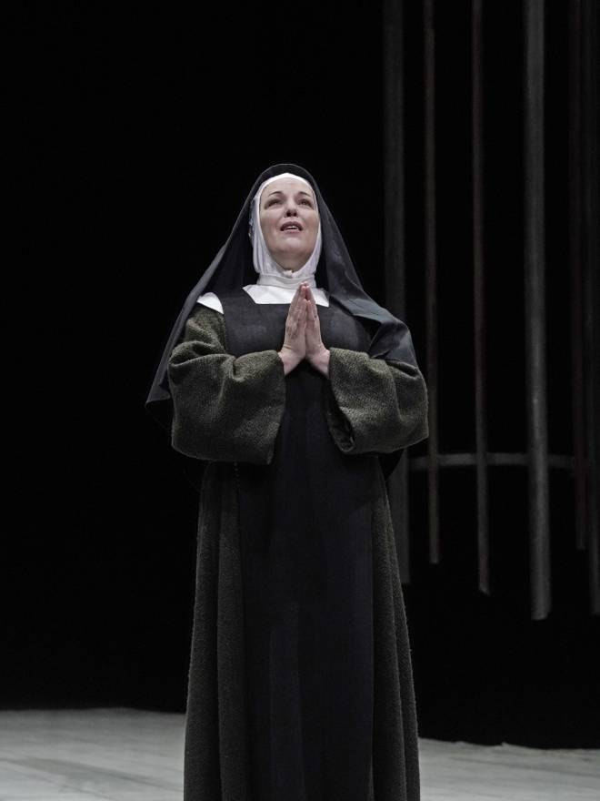 Adrianne Pieczonka - Dialogues des Carmélites par John Dexter