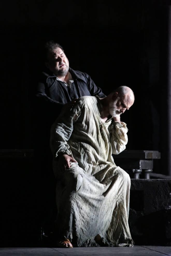 Fabio Sartori & Michele Pertusi - Les Brigands par David McVicar