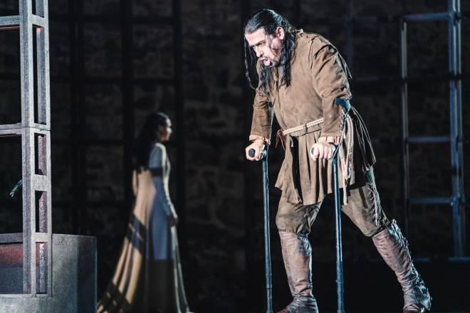 Dalibor Jenis - Rigoletto par David McVicar