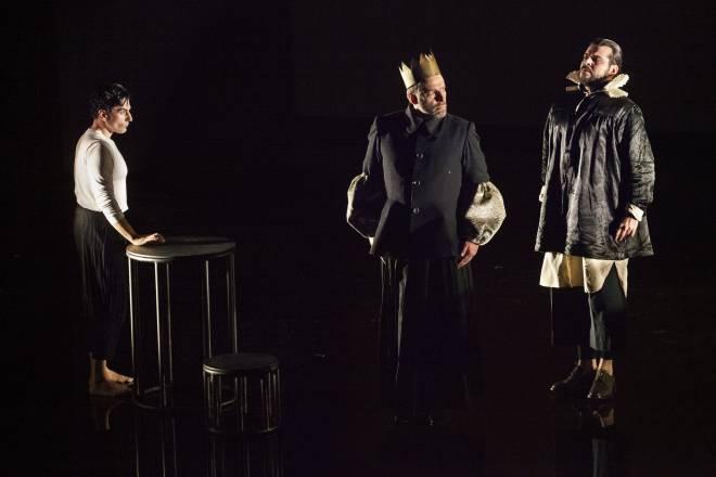Leonardo Capalbo, Andreas Bauer Kanabas & Kartal Karagedik - Don Carlos par Johan Simons