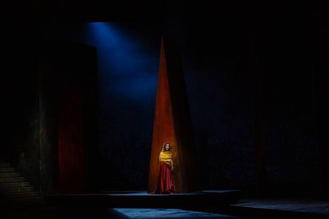 Elena Stikhina - Aida par Phelim McDermott