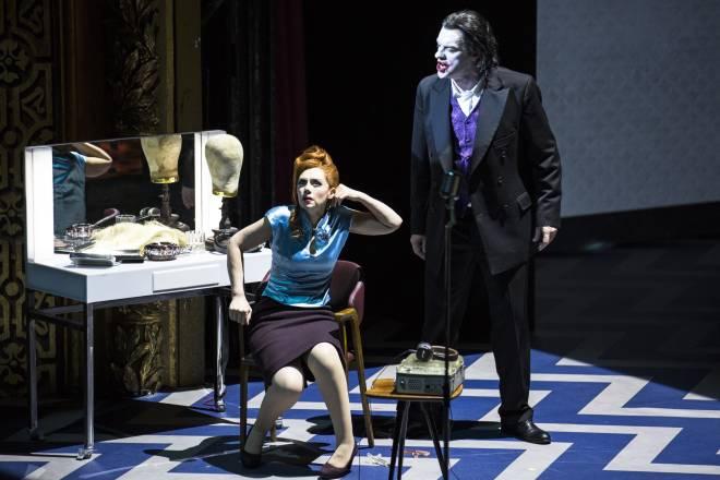Patricia Petibon & Gabor Bretz - Les Contes d'Hoffmann par Krzysztof Warlikowski