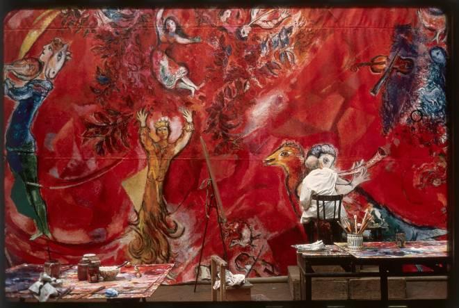 Marc Chagall travaillant sur