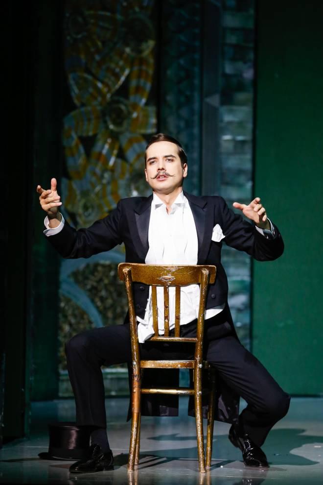 Alexandre Beuchat (Danilo) - La Veuve joyeuse par Marco Arturo Marelli