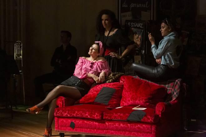 Olivia Doray, Adèle Charvet & Ambroisine Bré - Carmen par Romain Gilbert