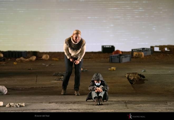Maria Bengtsson & Saul Esgueva - Peter Grimes par Deborah Warner