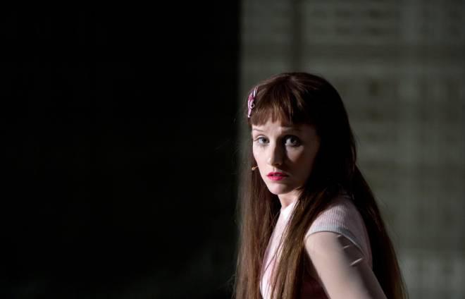 Elsa Benoit dans le rôle-titre de Marta