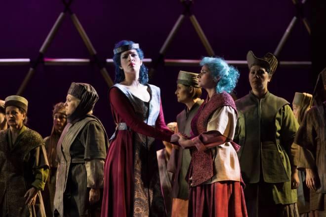 Na'ama Goldman et Anne Renouprez dans Nabucco