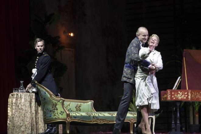 Oldenburg Henschel Matthews dans Capriccio par David Marton