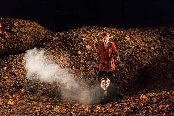 Elena Tsallagova et Enric Martinez-Castignani dans La petite renarde rusée