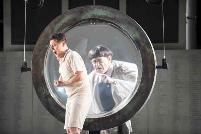 Mark Stone et Tom Fox dans Wozzeck