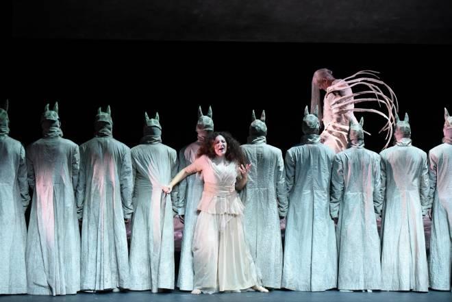 Nora Gubisch (Amneris), Giacomo Prestia (Ramfis) - Aida par Stathis Livathinos