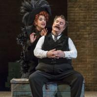 Bryn Terfel (Sir John Falstaff) et Varduhi Abrahamyan (Mrs Quickly) - Falstaff par Dominique Pitoiset