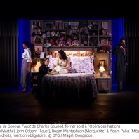 Marina Viotti (Marthe), John Osborn (Faust), Ruzan Mantashyan (Marguerite) et Adam Palka (Méphistophélès) - Faust par Georges Lavaudant