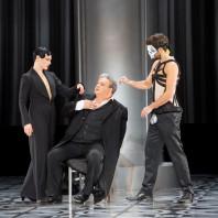 Ausrine Stundyte (Salomé), Gerhard Siegel (Hérode) et Christian Natter (Oscar Wilde) - Salomé par Hans Neuenfels