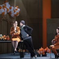 Stefan Sbonnik, Pauline Texier et Fleur Barron dans Barkouf
