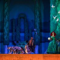 Issachah Savage, Caroline Jestaedt, Carolina Ullrich & Sarah Laulan - Ariane à Naxos par Michel Fau