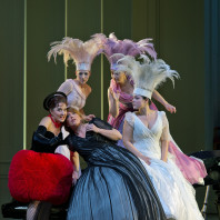 Elena Moșuc, Emily Magee, Eva Liebau, Marie-Claude Chappuis et Eleonora Buratto - Ariane à Naxos par Sven-Eric Bechtolf