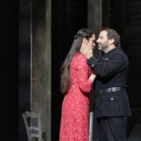 Ludivine Gombert & Florian Laconi - Carmen par Nicola Berloffa