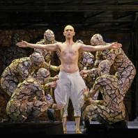 Anthony Roth Costanzo - Akhnaten par Phelim McDermott