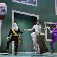 Leigh Melrose, Daniel Arnaldos & Michael J. Scott - Le Forgeron de Gand par Ersan Mondtag