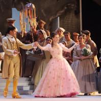 Christophe Gay (De Brétigny) et Patrizia Ciofi (Manon) dans Manon (2015)